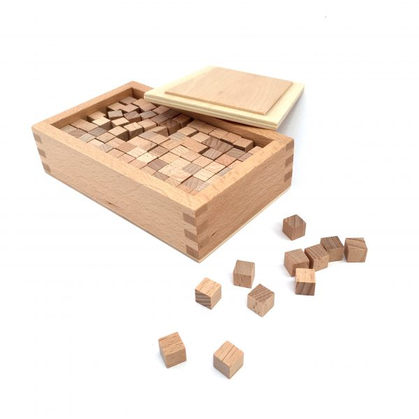 Box with cubes for Pink Tower