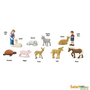 683704 Petting Zoo_2