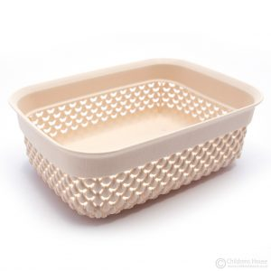A plastic basket (1.1lt)